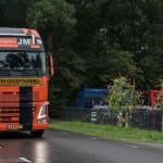nieuwe Volvo FH Globetrotter XL voor JM (Middelkoop)  Logistics,  lossen Trolliet bij Bruggeman Mechanisatie.